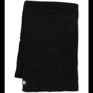 Ugg NWT cable knit black scarf